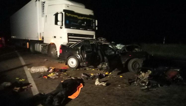 В Воложинском районе столкнулись легковушка и грузовик