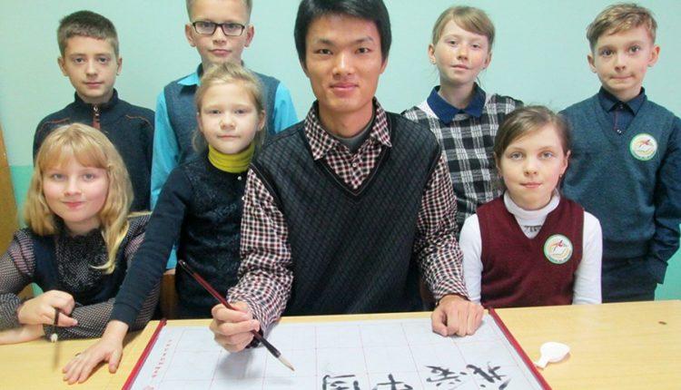 Китайские педагоги приезжают в Воложин обучать детей восточной грамоте
